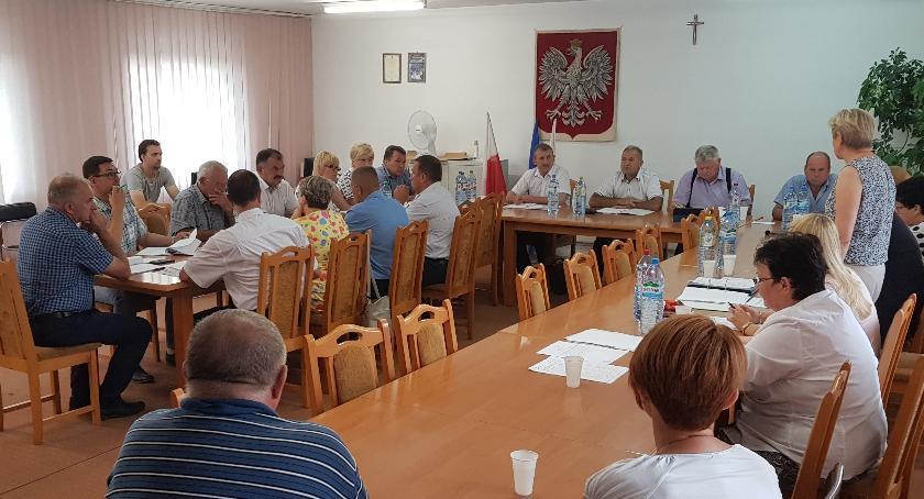 Samorząd, Ciechanów wciąż czeka dekomunizację Glinojeck sobą Zmieniono nazwy - zdjęcie, fotografia