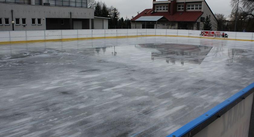Inne Sporty, Pogoda sprzyja Otwarcie lodowiska Ciechanowie przełożone - zdjęcie, fotografia