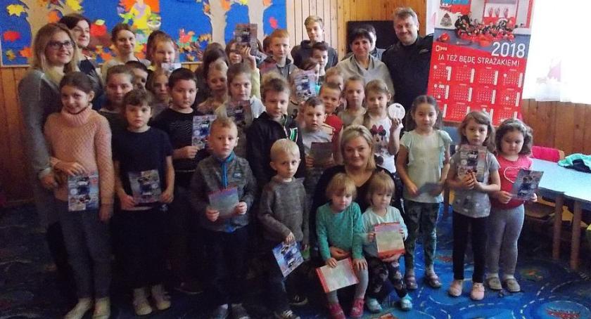 Działania Strażaków, Strażacy wizytą szkołach gminy Ciechanów - zdjęcie, fotografia
