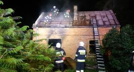 W Glinojecku płonął budynek mieszkalny