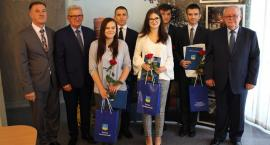Najlepsi maturzyści z powiatu ciechanowskiego docenieni (zdjęcia)