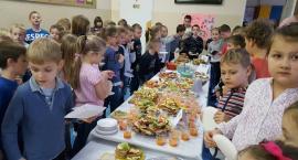 Śniadanie daje moc uczniom szóstki (zdjęcia)