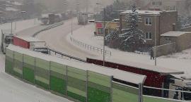 Wasze Info: Gdzie są drogowcy? Ogromny korek na ul. Armii Krajowej (zdjęcia)