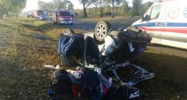 Aktualności Pięć osób rannych po dachowaniu Hondy