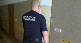Ciechanowianin był ścigany przez policję. Zgłosił się na komendę bo ... skończyły mu się pieniądze
